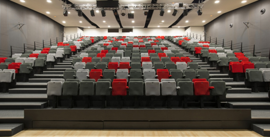retractable seating helps with venue design
