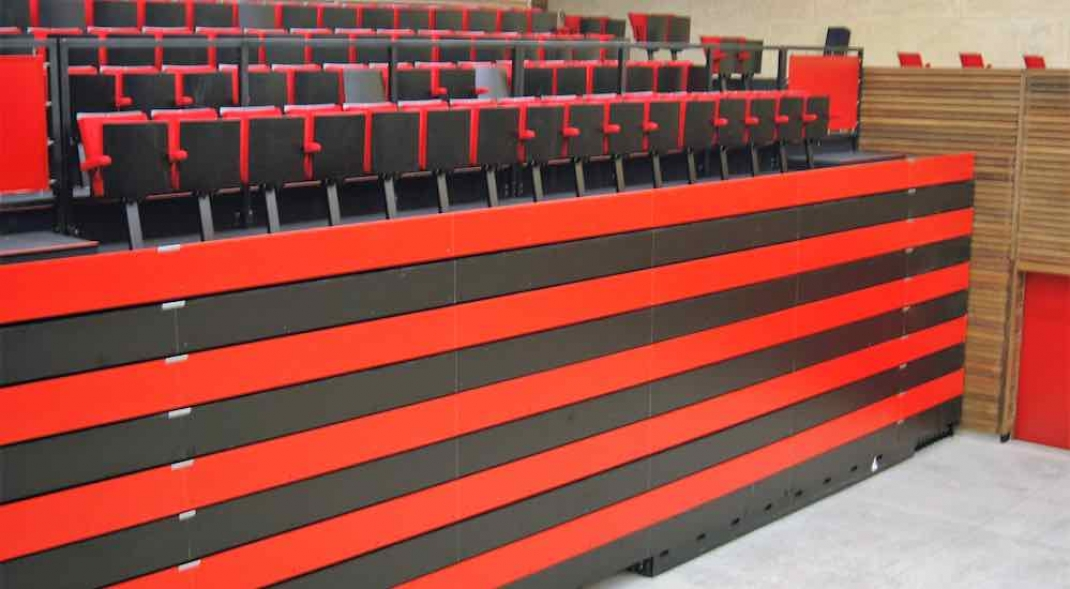 Mobile bleacher seating folding