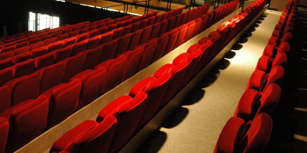 Netflix Means Catastrophe For Theater Seating Manufacturers? Oh, Cut The Drama!